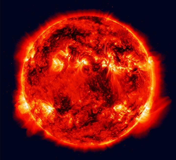 حقائق عن كوكب الشمس sun.jpg